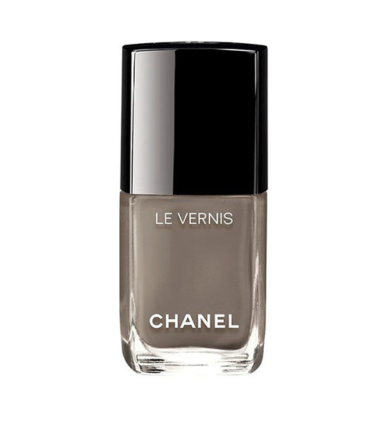 Chanel-Le-Vernis-14-Beauty-Vogue-18April16_b_592x888.jpg.pagespeed.ce.r8ayTMDkZk